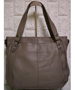 Δερμάτινη γυναικεία τσάντα Μ-614
