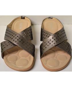 https://www.marroni.fashion/image/cache/catalog/2020/01.2020/pantofles/ve204-ginaikeies-pantofles-xondriki%20(2)-250x300.JPG